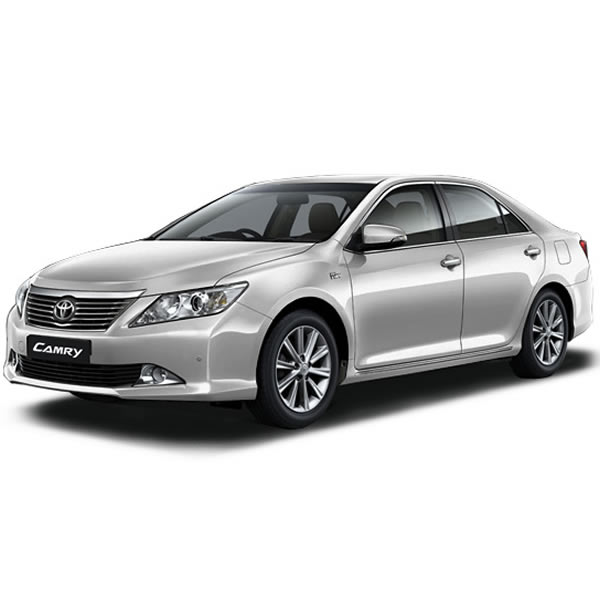 Thue-xe-co-lai-Toyota-Camry-2012