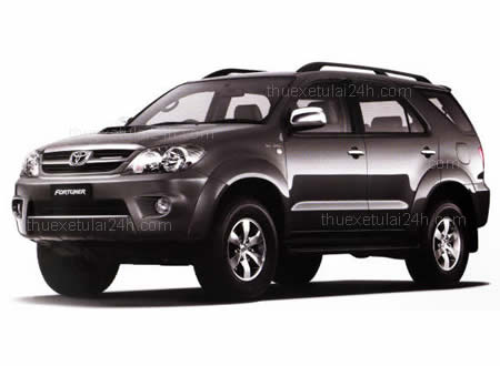 Cho- thue-xe-tu-lai-Toyota-Fortuner-7-cho-1