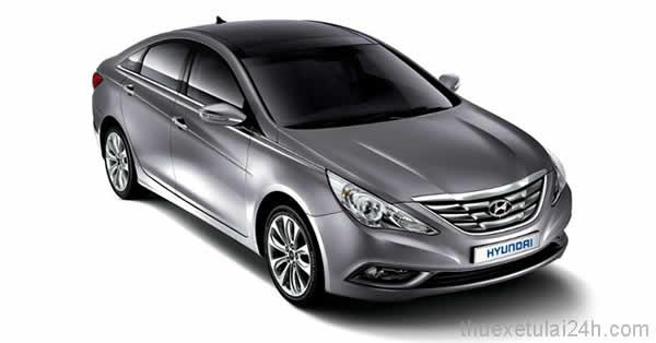 Cho-thue-xe-tu-lai-Hyundai-Sonata-Y20-2-0-AT-1