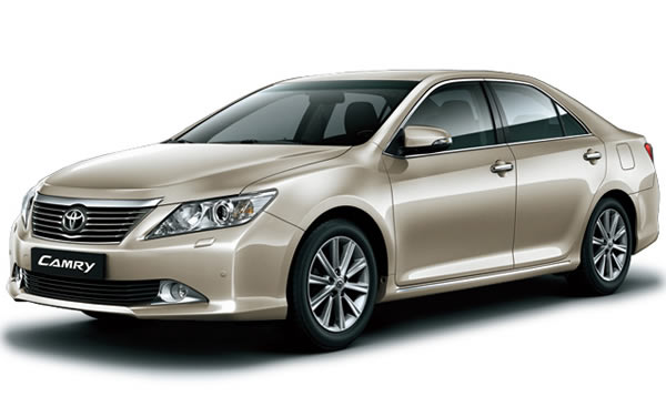 thue-xe-co-lai-toyota-camry-2014