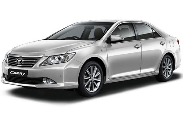 Thuê xe tự lái Toyota Camry 2012